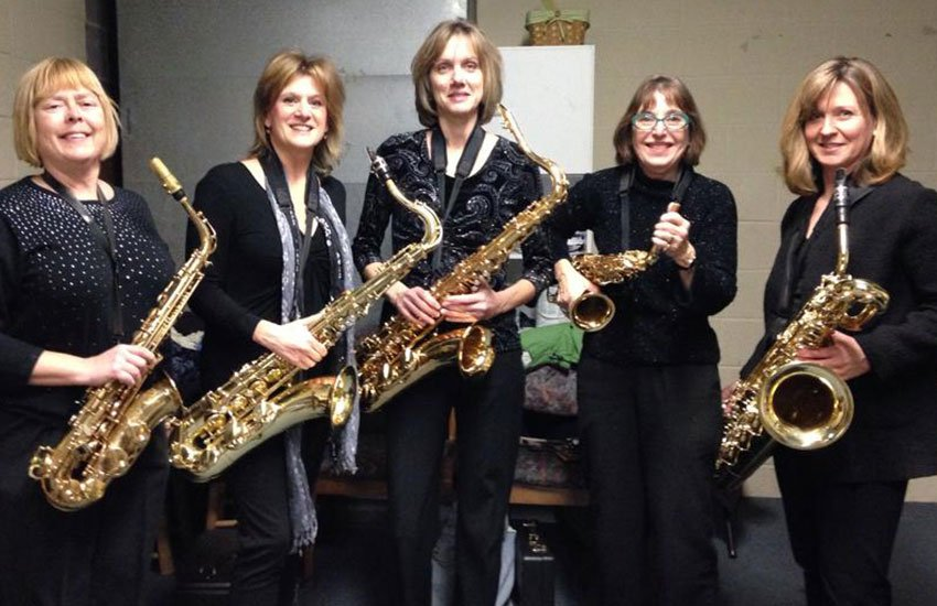 Ladies Must Swing saxophone section